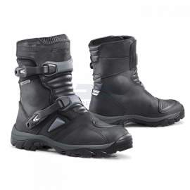 BOTA FORMA ADVENTURE LOW NEGRA